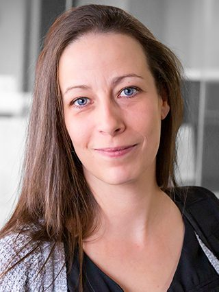 Portrait of Valérie English, PhDc, Therapist